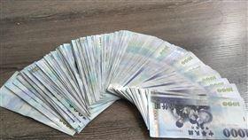 戒菸,父親節,省錢,鈔票(翻攝自 爆怨公社)