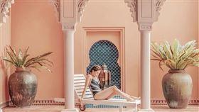 墾丁亞曼達會館打造摩洛哥風格的建築以及恍如身處馬爾地夫的夢幻度假體驗,一地滿足兩種異國度假情懷。(圖/Expedia提供)