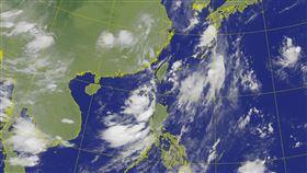 米克拉颱風生成台灣衛星雲圖。(圖/翻攝自氣象局網站)