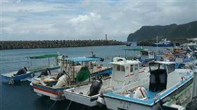 受米克拉外圍環流影響,原定下午3點半蘭嶼回後壁湖客輪「綠島之星」船班,提早半小時於15:00 開航。