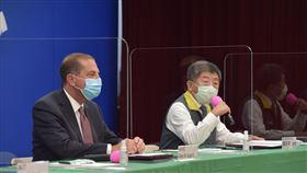 台灣與美國衛生部簽署「醫衛合作瞭解備忘錄」。美國衛生部長艾薩(Alex Azar),陳時中,CDC(圖/中央流行疫情指揮中心提供)