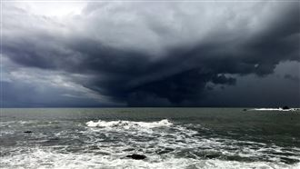 台東外海現陀螺雲層 如電影奇景