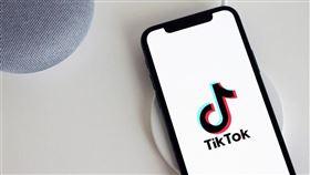 印度經濟時報13日報導,世界第4首富、印度首富安巴尼旗下的信實工業,正在評估投資、收購TikTok在印度業務的可能性。(圖取自Pixabay圖庫)