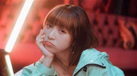 黃于恩(溫妮)發行個人第一首創作單曲《問你喲》。(圖/哈囉你好工作室)