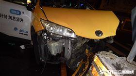 計程車自撞亡/翻攝畫面