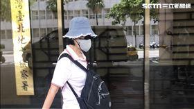 ▲資深藝人沈時華被控假拍《海角七號》音樂劇募資為名,詐欺150萬。台北地方法院開庭,她足足在法院內停留2小時才離開。(圖/記者楊佩琪攝)