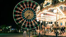 遊樂園,旋轉木馬▲。(圖/翻攝自pixabay)