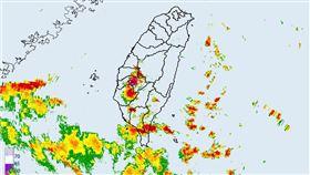 氣象局發布大雷雨即時訊息。(圖/翻攝自氣象局網站)