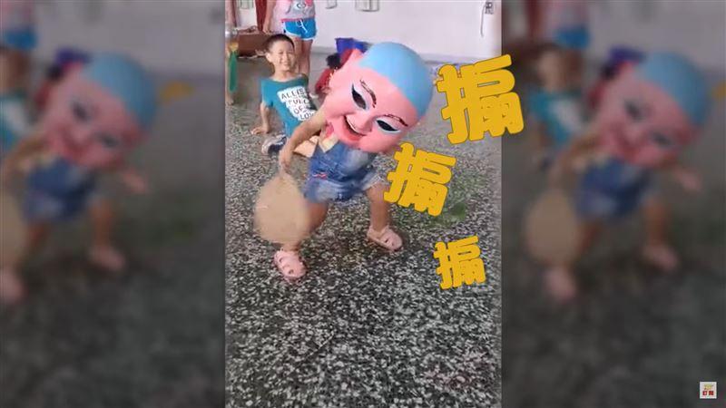 人小志氣高!兩歲小萌娃跳藝陣