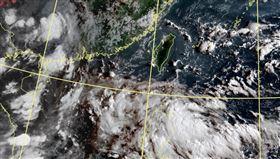 菲律賓東方海面有一熱帶擾動。(圖/中央氣象局)