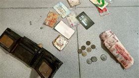 符咒,錢包,工地,鬼月,地基主(翻攝自 台南爆料公社)