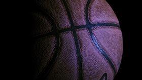 球賽比到一半,一名球員突然中彈身亡。(圖/翻攝自pixabay)