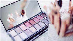 化妝品(圖/翻攝自unsplash)