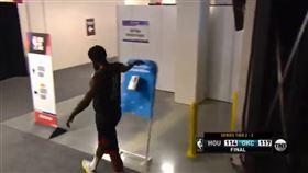 NBA/輸球不開心!哈登怒推乾洗手 NBA,季後賽,休士頓火箭,James Harden,乾洗手 翻攝自推特