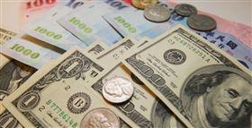 新台幣實質匯價持續走升,25日收盤收在29.507元,升值1分,來到逾半個月高位。(中央社檔案照片)