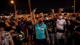 氣走梅西!3百「梅粉」包圍巴薩主場 足球,西甲,巴塞隆納,阿根廷,Lionel Messi,梅西 翻攝自推特