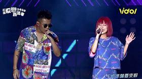 陳瑾緗與饒舌歌手屁孩合唱《打工仔》。