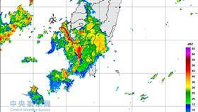 氣象局針對彰化以南地區發布豪雨特報。(圖/翻攝自氣象局網站)