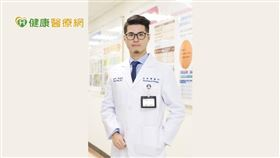 萬芳醫院血液腫瘤科胡名宏醫師表示,使用CDK4/6抑制劑合併抗荷爾蒙藥物治療,能控制病況,也能大幅提升生活品質。