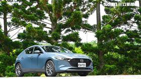 ▲2021年式Mazda 3極致進化型。(圖/鍾釗榛攝影)