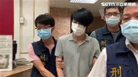 羅育祥誘拐囚禁14歲高雄少女,被捕後拒絕夜間偵訊,被高雄警方帶回收容所,隔天一早繼續訊問。(圖/翻攝畫面)