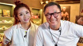 王偉忠到陶晶瑩「陶口秀」節目訪問。(圖/泰坦星文創提供)