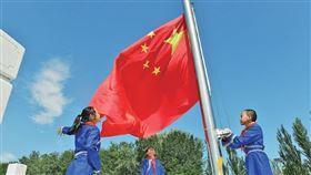 中國內蒙古教育廳日前發布《全區民族語言授課學校小學一年級和初中一年級使用國家統編語文教材實施方案》(圖/翻攝自內蒙古新聞網)
