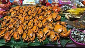 彰化超豪奢普渡!大龍蝦、螃蟹擺滿桌(圖/爆廢公社)