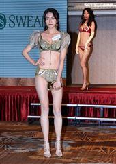 展現女性完美曲線,2020秋冬「撩波-無拘束之花」回歸自然,內衣不該有所限制,以自由自在、無拘無束的花卉圖樣,帶出每個女人的獨一無二,「內衣是女人最貼身的衣物,舒適的內衣更是女人的第二層肌膚」,強調親膚、舒壓性,讓每個女人穿上思薇爾內衣,舒服的就像沒穿一樣。(記者邱榮吉/攝影)
