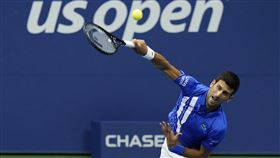 ▲喬科維奇(Novak Djokovic)直落3晉美網第3輪,2020年26連勝。(圖/美聯社/達志影像)