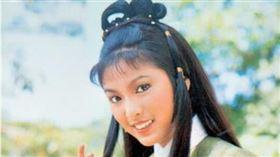 香港女星米雪1976年演出《射鵰英雄傳》黃蓉/微博