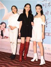 「可不可以、你也剛好喜歡我」演員陳妤、林映唯、李杏。(記者邱榮吉/攝影)