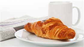 早餐怎麼吃?李婉萍營養師推薦萊爾富有一個隱藏版美食「鮭魚糙米粥」。(示意圖/Pixabay)