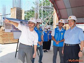 楊文科縣長視察竹北自強七街立體停車場BOT案 進度如期預計2022年6月開幕(圖/新竹縣政府)