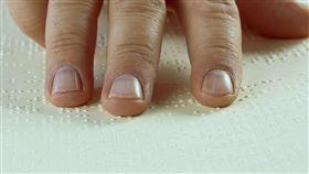 手指。(圖/Pixabay)