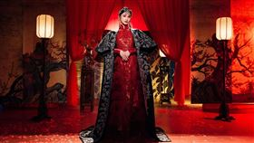楊丞琳為了9月推出的全新單曲《BAD LADY》詮釋壞女人造型。(圖/環球提供)