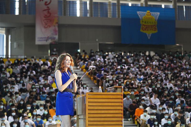 文大最美學姊!瑞莎迎新秀逆天長腿 讀博士興奮喊愛台灣-中國文化大學
