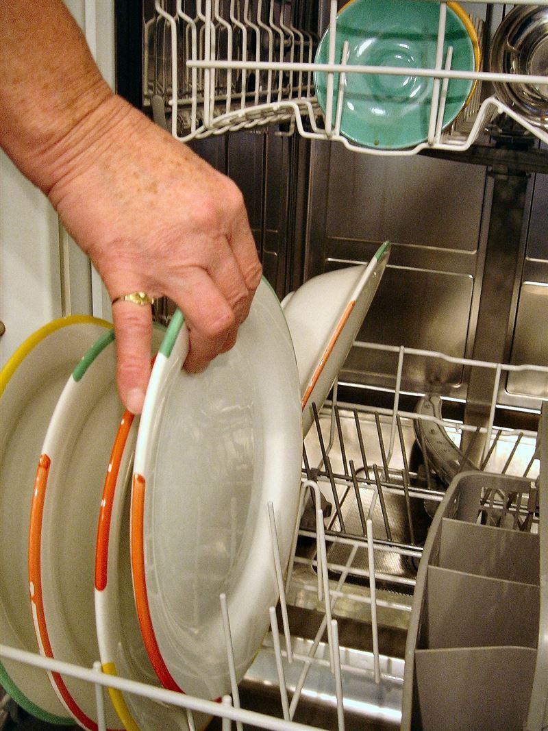 洗筷子不要整把搓!這些餐具不能放洗碗機「別再傻吃毒」