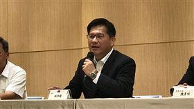 交通部長林佳龍針對國內六大航空虧損說明。(圖/記者陳宜加攝影)