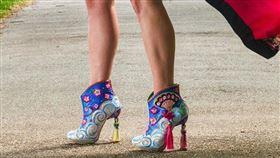 花木蘭繡花鞋(圖/翻攝自Irregular Choice官網)