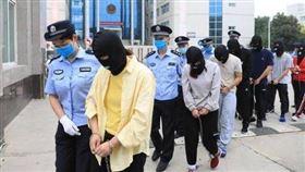 ▲中國鄭州市破獲跨國賭博集團。(圖/翻攝自微博)