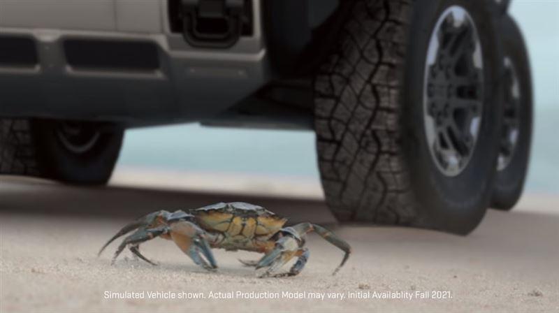 電動悍馬不只擁有1千匹馬力 螃蟹模式還可讓車子橫著走