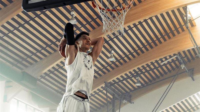 林書豪IG秀灌籃照 NBA球星打氣