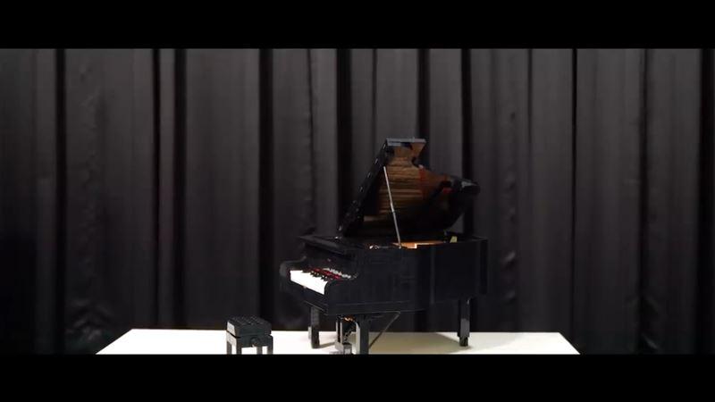 影/樂高鋼琴竟能彈出聲!音樂老師激動開箱還現場合奏一曲
