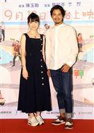演員黑嘉嘉、周群達(Duncan)出席電影「消失的情人節」首映會。(記者邱榮吉/攝影)