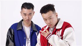 台灣西岸嘻哈雙人組「西屯純愛組」 Brain Zapp提供)