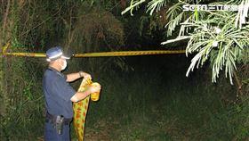 台南2名直播主前往台鹽廢棄宿舍探險,卻發現1具無名男屍。(圖/翻攝畫面)