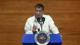 杜特蒂發表第5次國情咨文菲律賓總統杜特蒂27日在菲國眾議院發表上任以來第5次國情咨文。他表示,美軍若重返蘇比克灣設立基地,可能造成毀滅性後果。(菲律賓總統府通訊暨作業部提供)中央社記者陳妍君馬尼拉傳真 109年7月27日