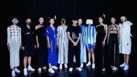 詹朴與凱渥模特兒受疫情影響,詹朴自創品牌APUJAN 2021春夏倫敦時裝秀18日首次以影像方式發表。(APUJAN提供)中央社記者戴雅真倫敦傳真 109年9月18日