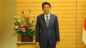 日本前首相安倍晉三今天在推特上貼文表示,已赴靖國神社參拜。(圖/中央社)